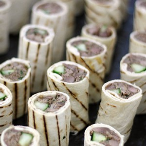 Duck wraps for buffet delivery